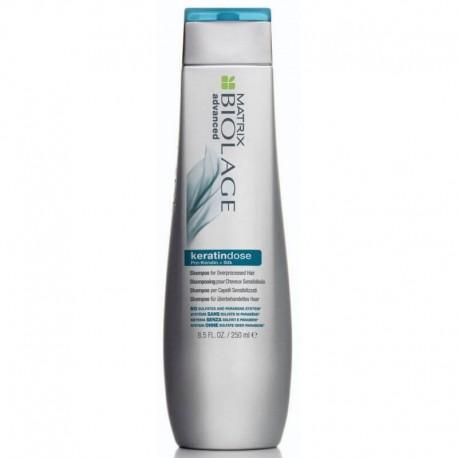 Šampūnas su keratinu pažeistiems, procedūrų nualintiems plaukams Matrix Biolage KeratinDose